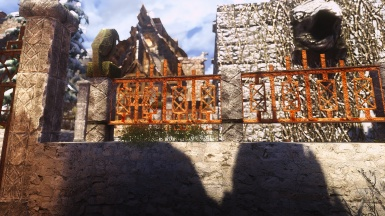 new custom texture for the ugly windhelm fences