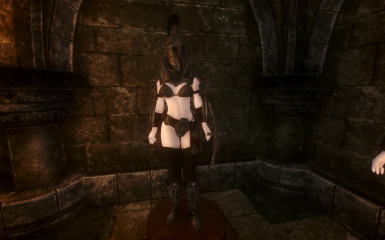Proudspire Manor basement mannequin in Heavy Imperial Armor