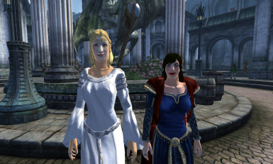 Galadriel with MERP Dress next to CM Arwen
