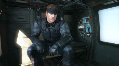 Solid Snake Style Sneaking Suit