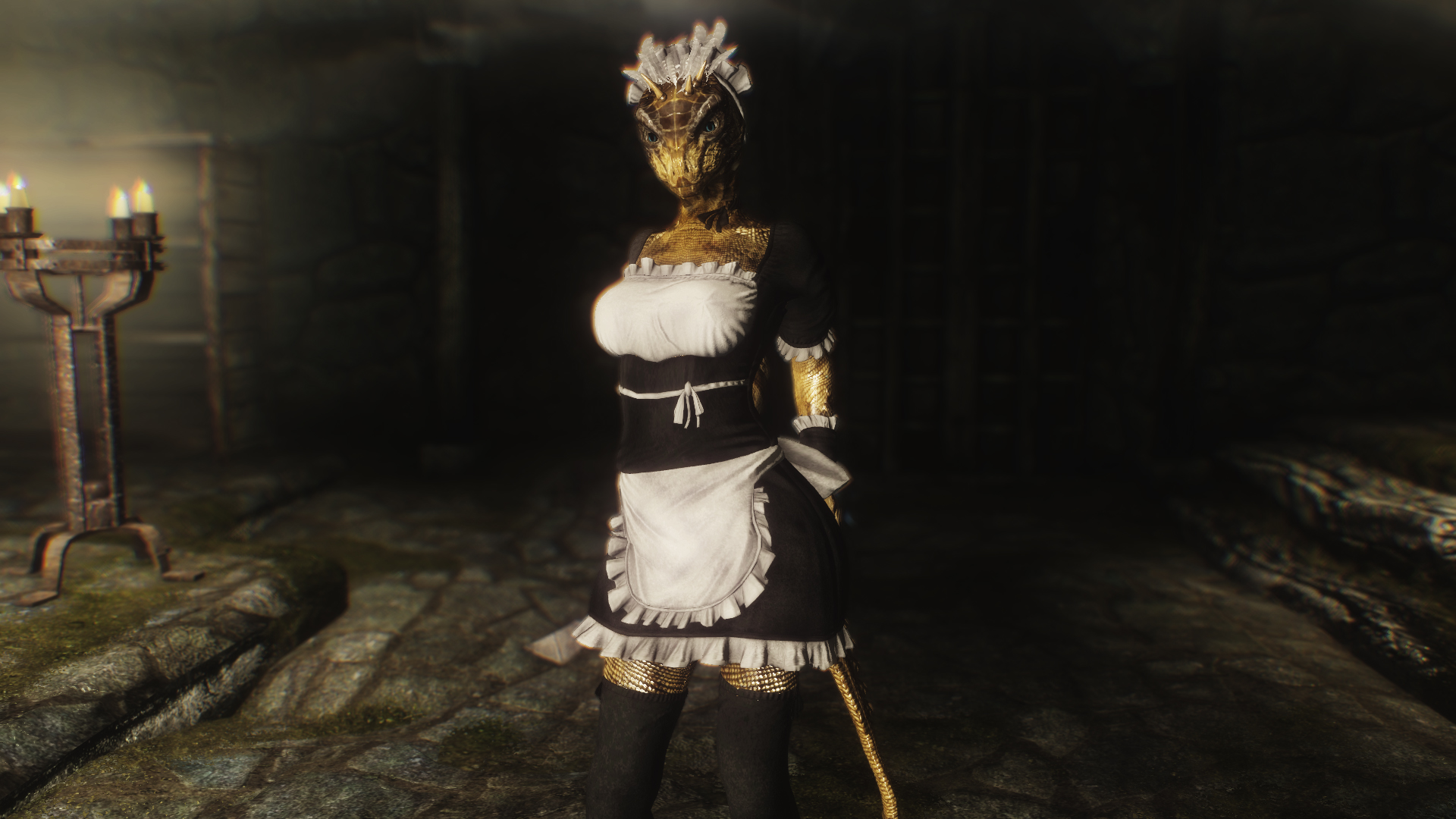 Proposal/Poll] French maid outfit to be Added to the Crown store or