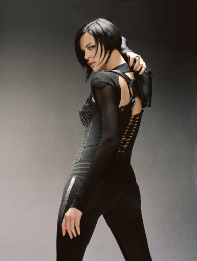 Aeon Flux bob from behind Thank you so much in advance