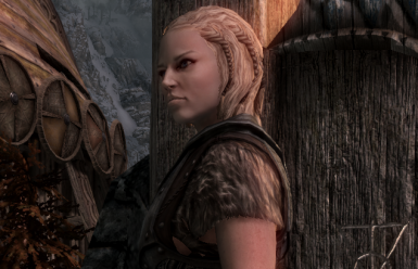 Ulvhild - Nord Housecarl for Lakeview Manor SE (Replace Rayya from Falkreath)