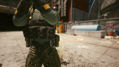 Vest Configuration with Pistol Mag
